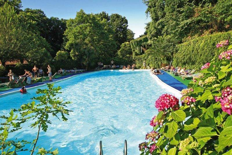 Seven hills village resort rome cazare roma - Seven hills village roma piscina ...